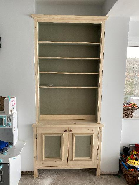 Built in cupboards and Bookshelves- Joinery NG16